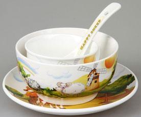 Набор детской посуды Rosenberg 87968 4 прСервировка стола<br><br>