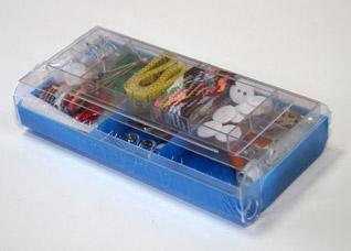 Набор для шитья, 100 предметов в пластиковой коробке BradexПолезные вещи для дома<br><br>